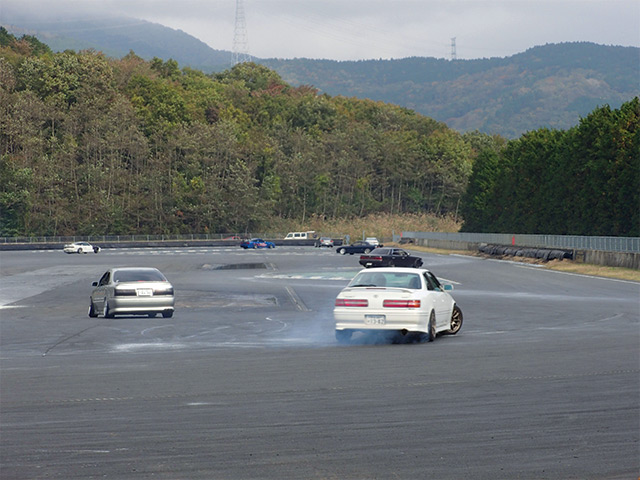 Toyota Mark-II Tourer-V at Fuji Speedway. A drift car available from Japa