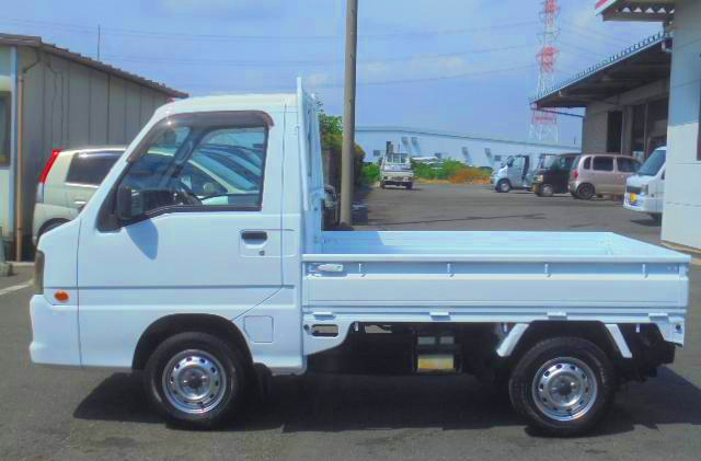 Sixth Generation Sambar Truck. Very Modern. Export from Japan