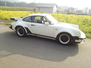Countryside Porsche 911 available in Japan