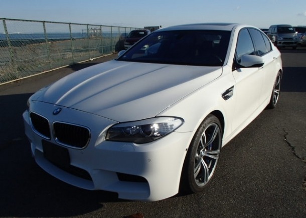 2012 BMW M5 exported by Japan Car Direct